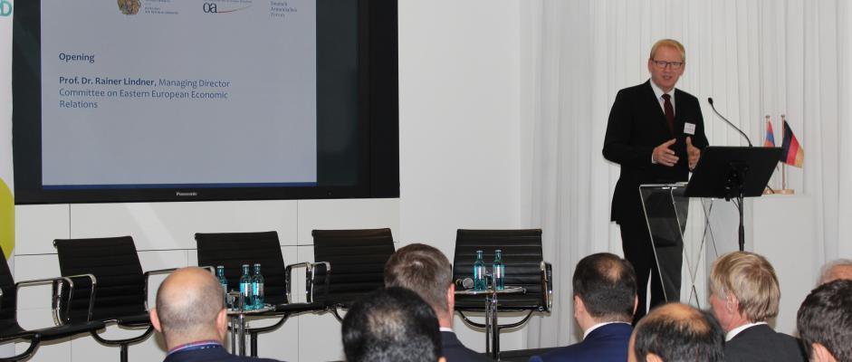 Prof. Dr. Rainer Lindnder auf dem Dt.-Arm. IT-Forum